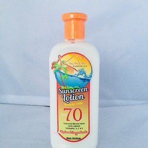 Sunscreen Lotion Protector Solar SPF 70 Karla Cosmetic 10 oz
